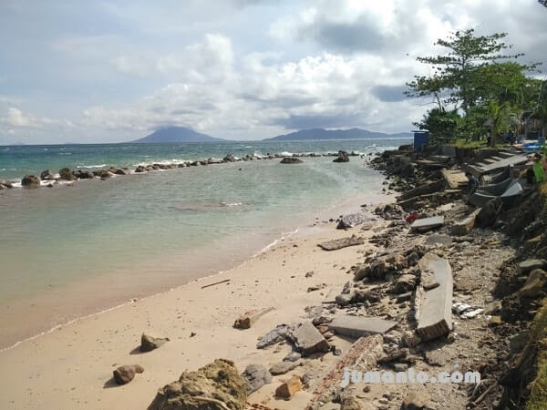 pantai krakatau kahai