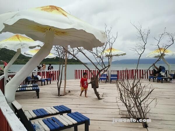 wisata pantai dewi mandapa pesawaran lampung