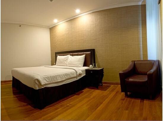 deluxe room p hotel pramuka