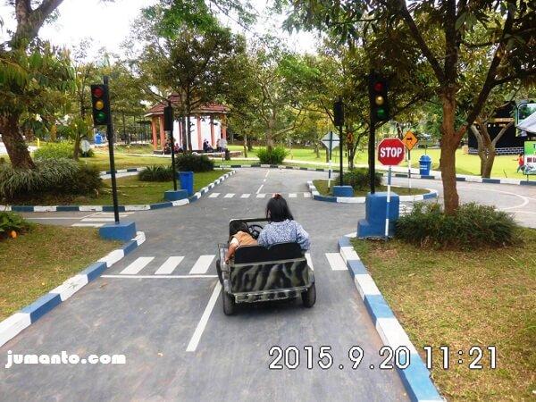 mobil mini taman lalu lintas sanggaluri park