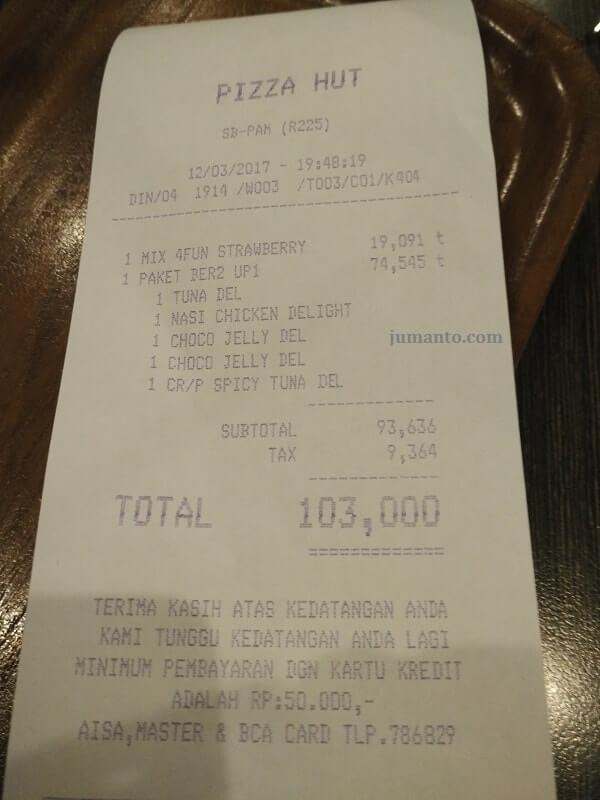 harga makanan pizza hut lampung
