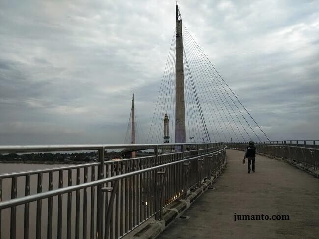 gambar jembatan gentala arasy jambi
