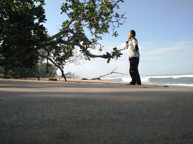 wisata pantai bengkunat pesisir barat lampung