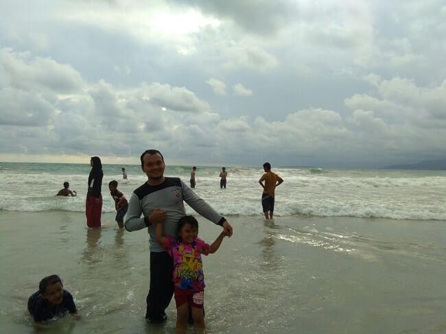 foto wisata pantai labuhan jukung krui lampung