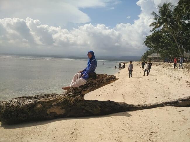 wisata pantai tanjung setia krui pesisir barat lampung