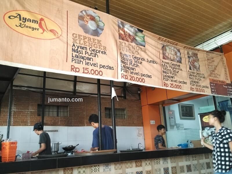 ayam geprek klenger tempat makan enak di palembang