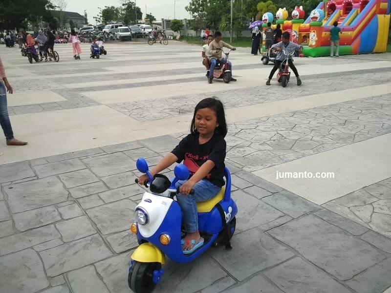 foto fasilitas danau jakabaring tempat bermain anak di palembang