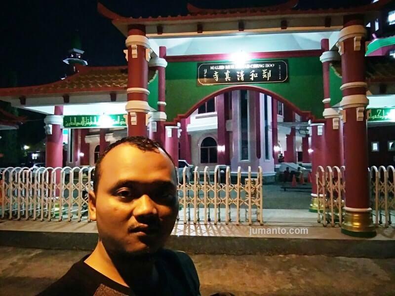 lokasi masjid cheng hoo palembang di perkampungan