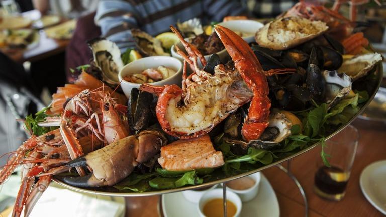10 Tempat Makan Seafood Di Bandar Lampung Enak Buat Dinner Keluarga